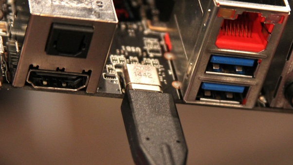 MSI Show off USB 3.1 and reversible USB Type-C