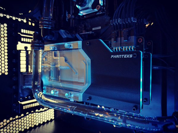 Phanteks show off their new Glacier CPU and GPU waterblocks