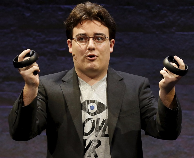 Palmer Luckey donates $2000 to CrossVR/ReVive Patreon