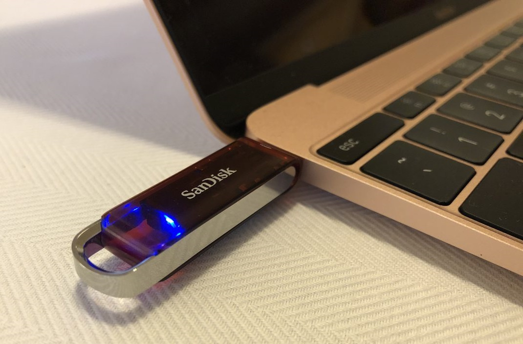SanDisk showcases the world's smallest 1TB USB-C flash drive