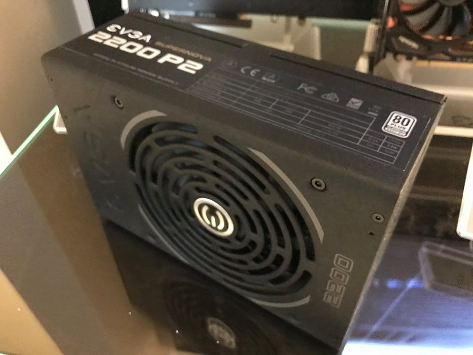 EVGA showcases a 2200W 80+ Platinum PSU at CES