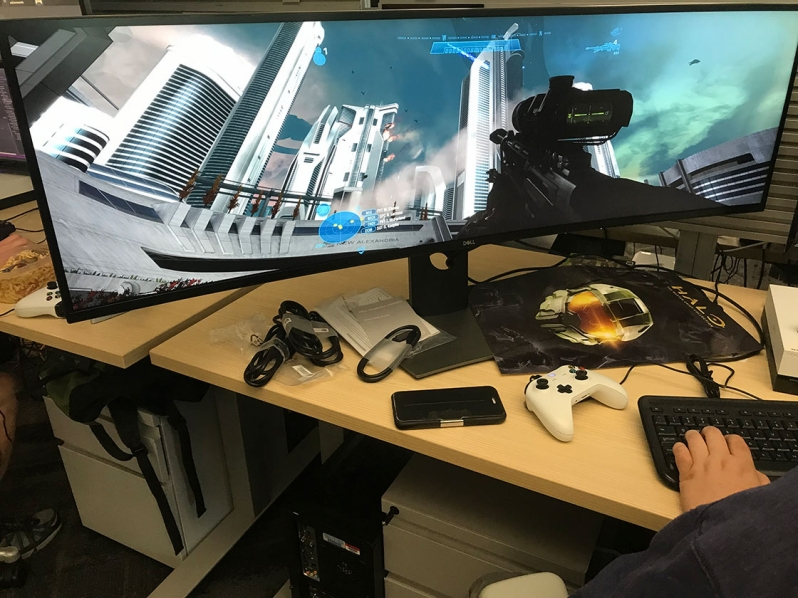 Master Chief Collection Update Shows of Ultrawide support an silly bugs