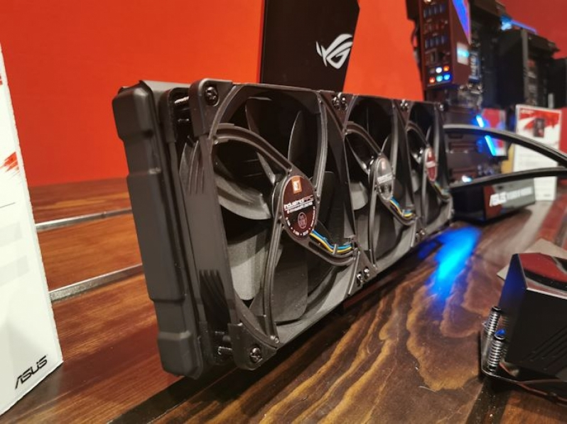 ASUS' Concept TRX40 AIO Cooler is Perfect for AMD's Ryzen Threadripper 3990X