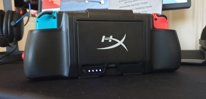 HyperX's ChargePlay Clutch brings comfort and battery life to Switch and Mobile - CES 2020